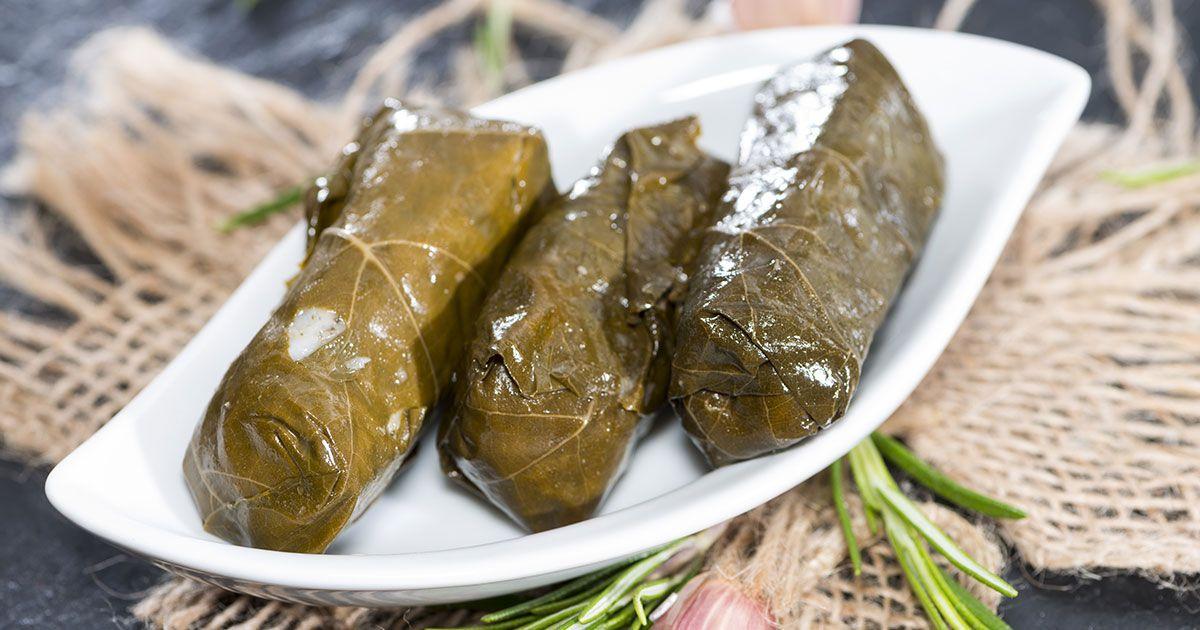 طريقة عمل ورق العنب اللبناني Recipe Arabic Food Lebanese Recipes Recipes