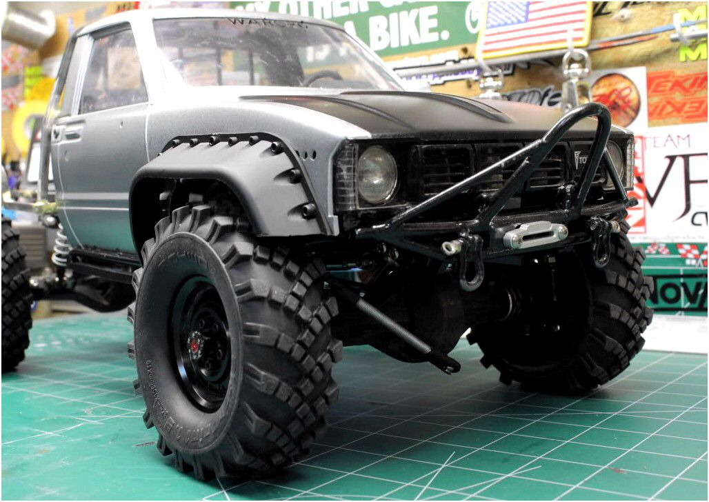 very clean toyota pickup looks like 39 83 those tires and fender flares very nice toyota. Black Bedroom Furniture Sets. Home Design Ideas