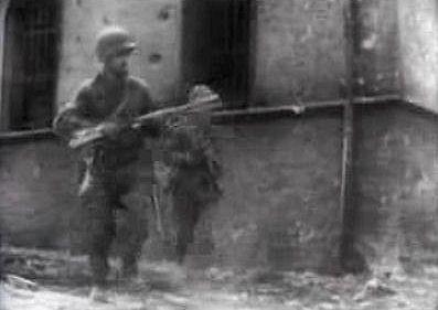 Brazilian soldiers advancing in Castelnuevo