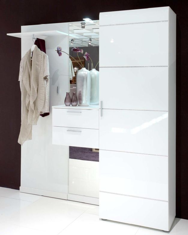 garderobe ornella wei geradliniges design mit effektvollen akzenten flur diele diele und. Black Bedroom Furniture Sets. Home Design Ideas
