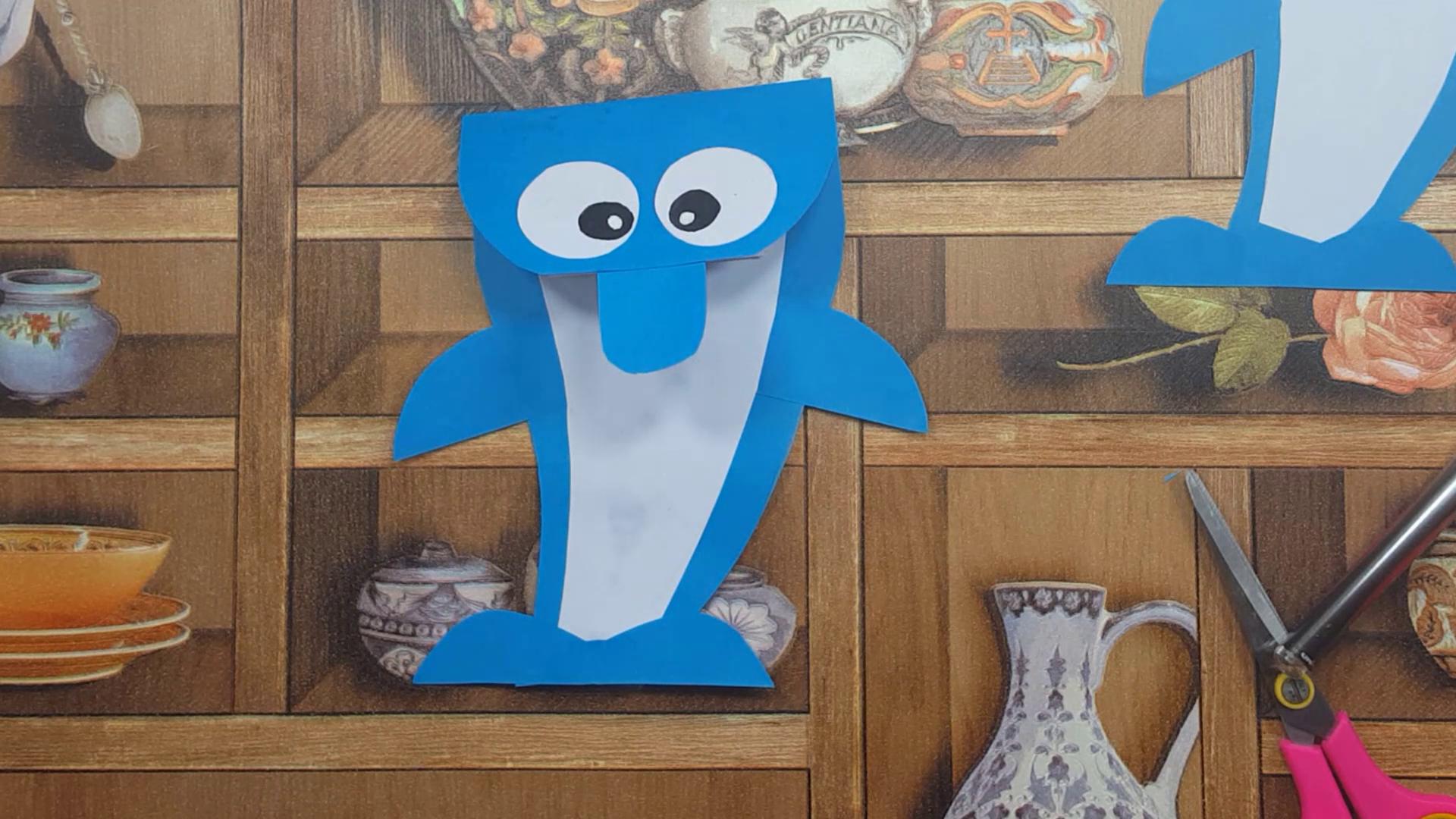 طريقة صنع كراس بالورق صغير للاطفال على شكل دلفين فكرة مدهشة وسهلة Minions Logos Art