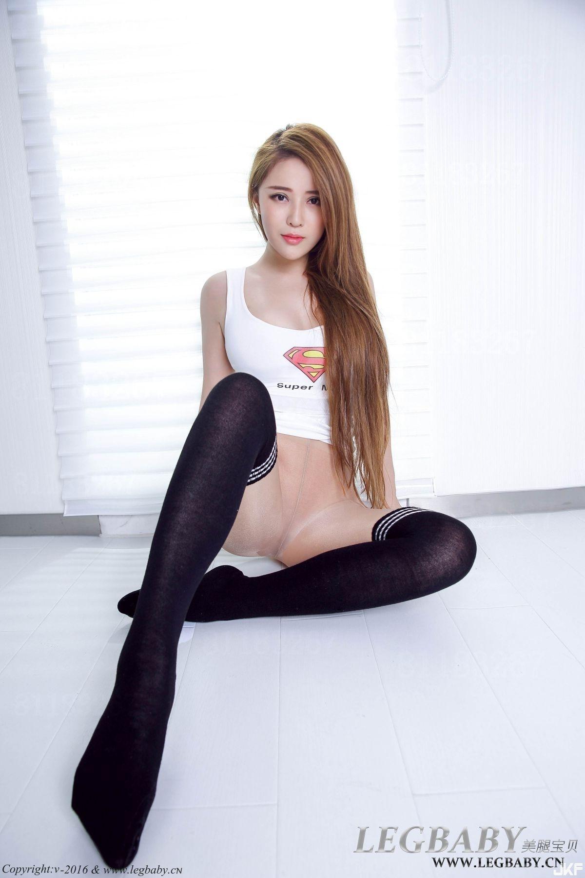 Asian adn pantyhose