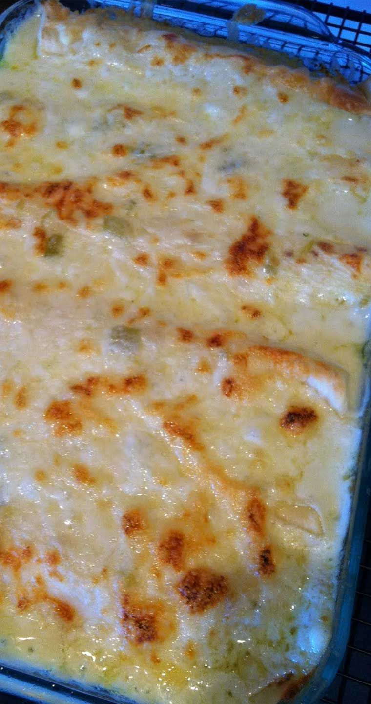 White Chicken Enchiladas Recipe Recipe Mexican Food Recipes Enchiladas Enchilada Recipes Sour Cream Enchiladas