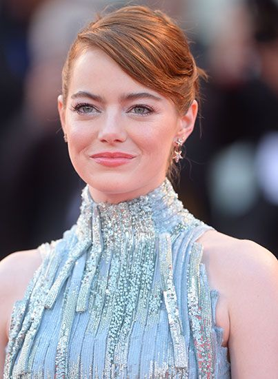 Emma Stone Looks Like A Mermaid In This Gorgeous Sequined Gown