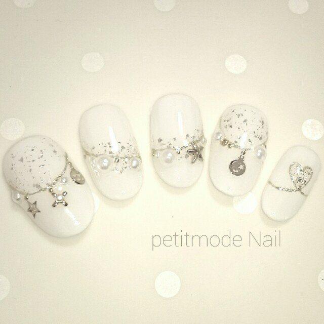 ハンド/ラメ/ワンカラー/ビジュー/ハート – Solue(ソルエ) private Nail Salon & Schoolのネイルデザイン[No.1212507]|ネイルブック
