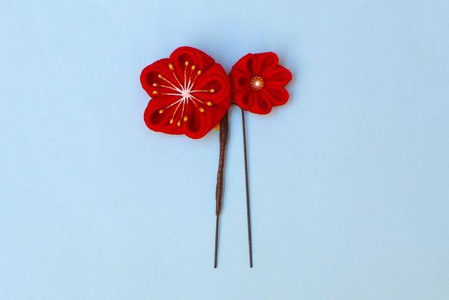 正絹ちりめん 椿の花寄かんざし「ハレ」赤 《受注制作》つまみ細工 和 or 浴衣 or 着物