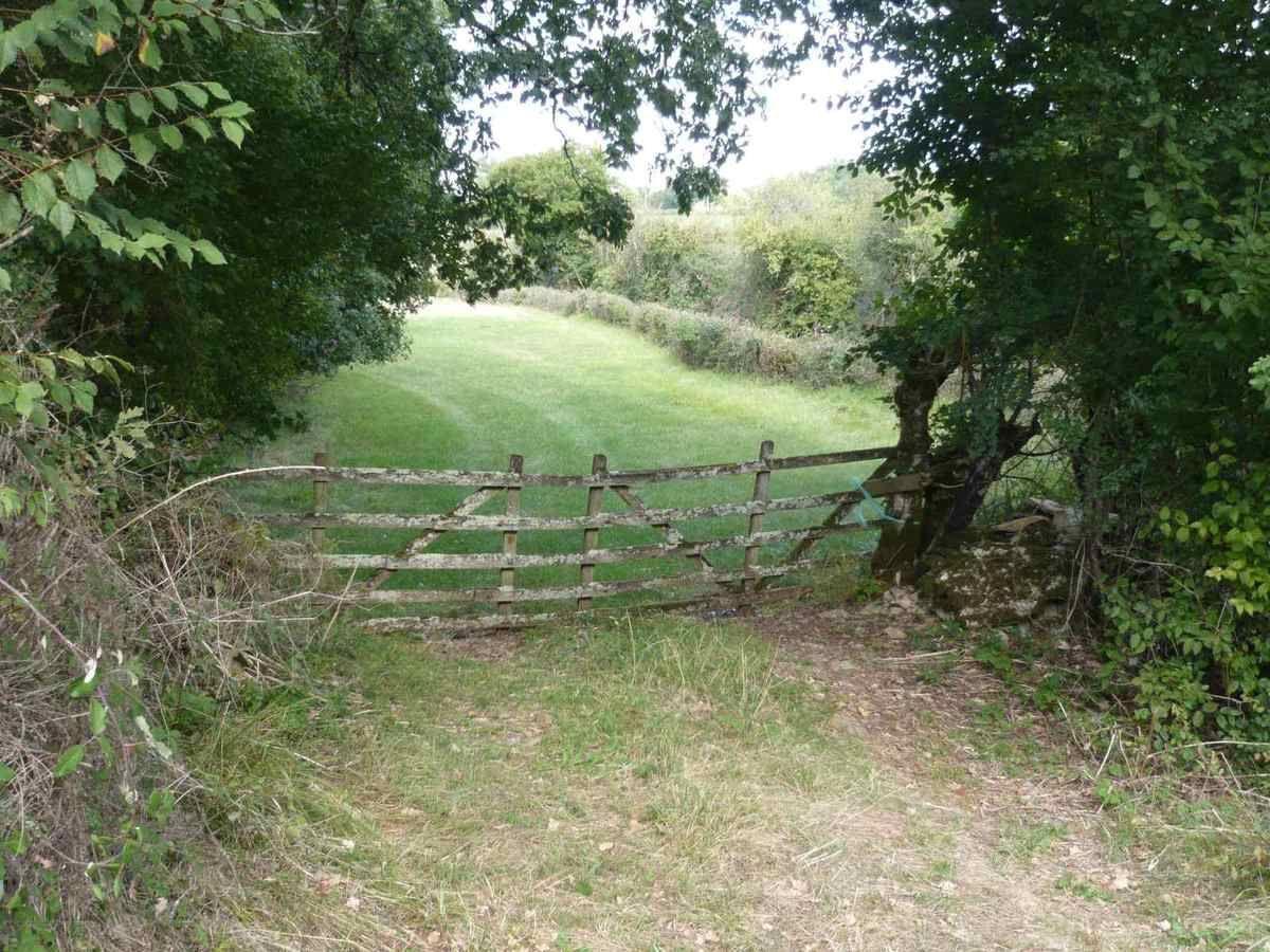Vieux Portail En Bois le charme des vieux portails en bois dans la campagne
