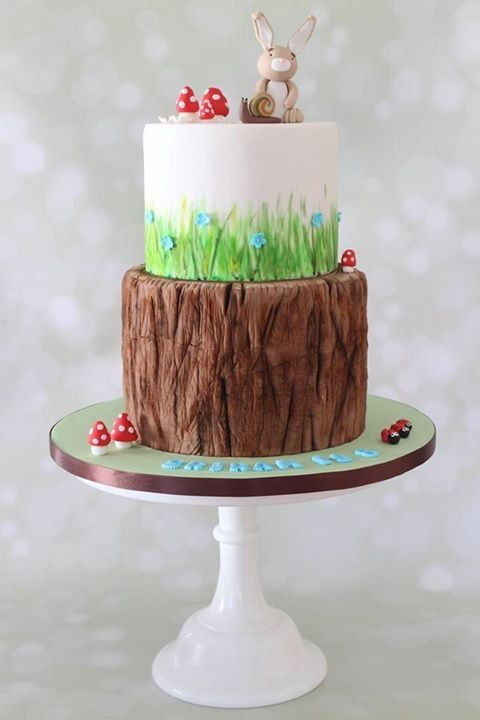 Tree Trunk Forest Themed Cakes With Images Forest Theme Cakes