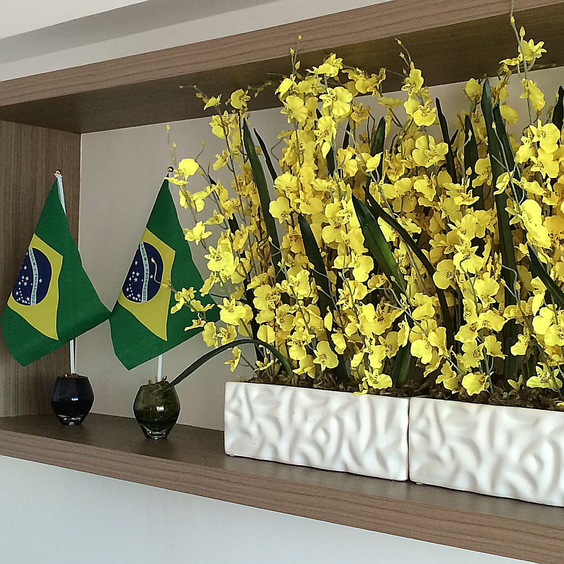 #brazil #flowers #yellow #green #orchids #flag #decor #worldcup