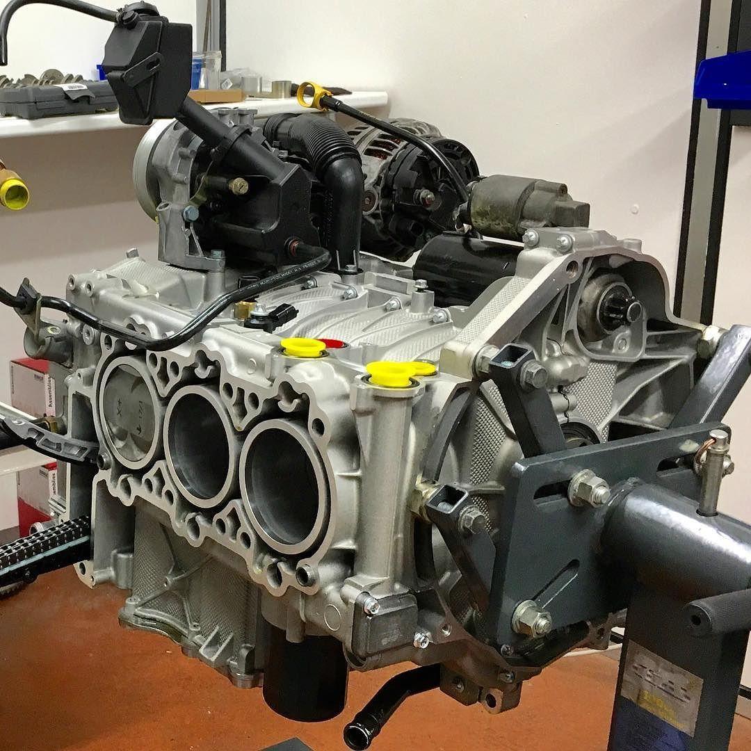 Changement moteur Porsche 997 C4S by RSO #porscherestoration #porsche #911 #997 #porscheclassic #porsche911 #classic911 #rsomotorsport by rsomotorsport