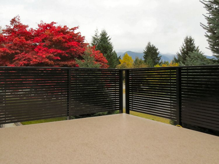 Canvas Of Horizontal Deck Railing The Advantages And