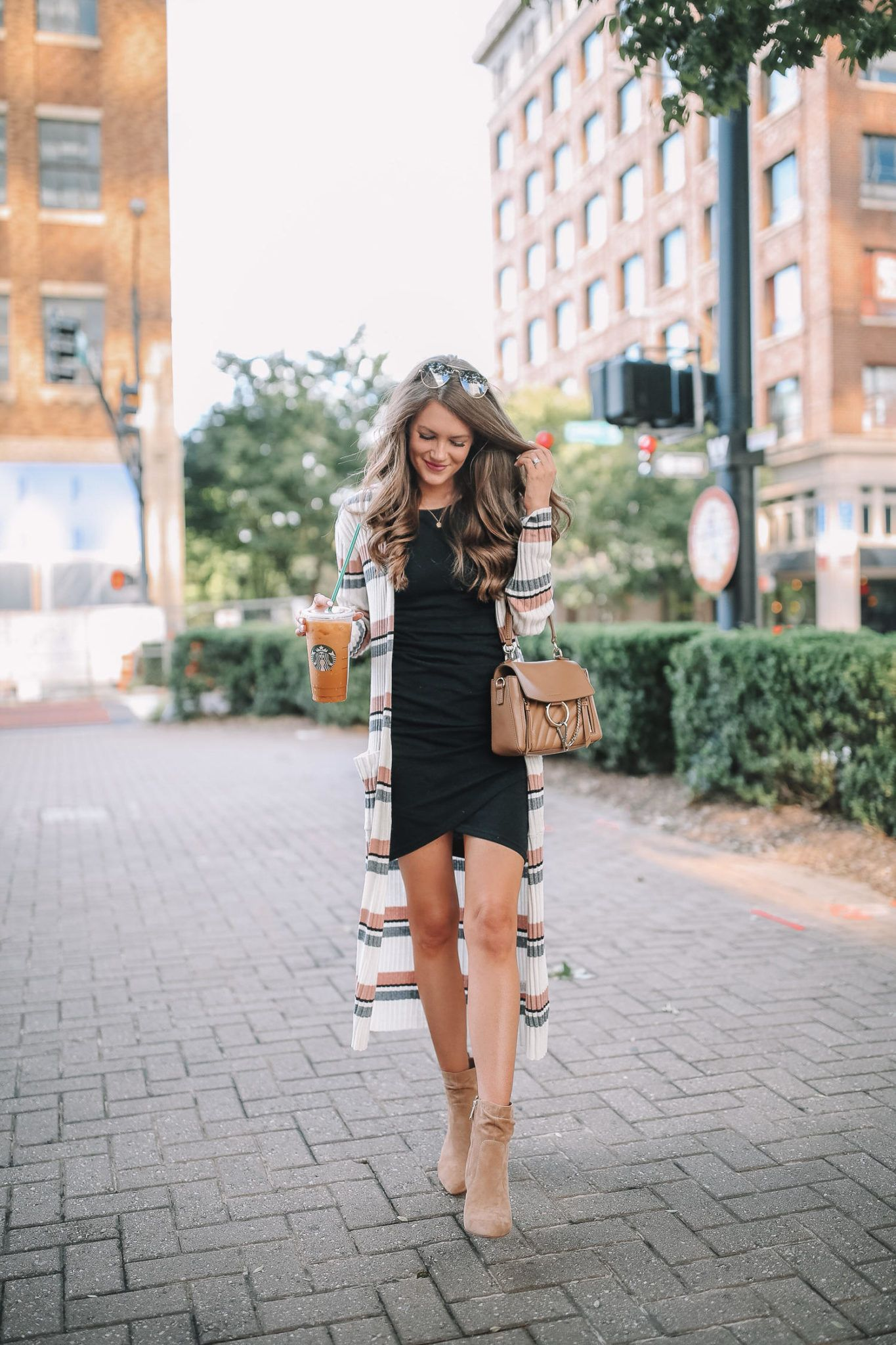 Long Cardigan Outfit Inspiration Long Cardigan Outfit Fashion Outfit Inspiration Fall [ 2048 x 1365 Pixel ]