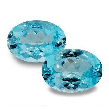 Farblich sehr schönes Blautopas Duo im makellosen Ovalschliff und bester Reinheit.