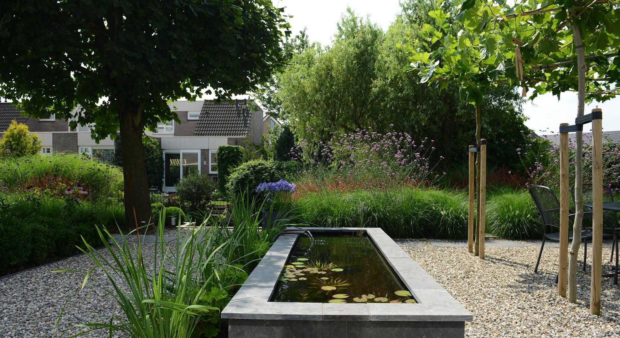 Rodenburg tuinen achtertuin met hoogteverschil inclusief een