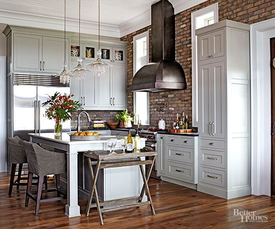 Traditional kitchen cabinetry never goes out of style. Try these top ideas for timeless kitchen storage complete with one-of-a-kind touches.