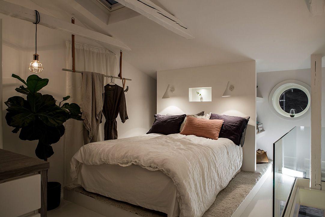 Zolder slaapkamer met inloopkast en balkon terras - Zolder ...
