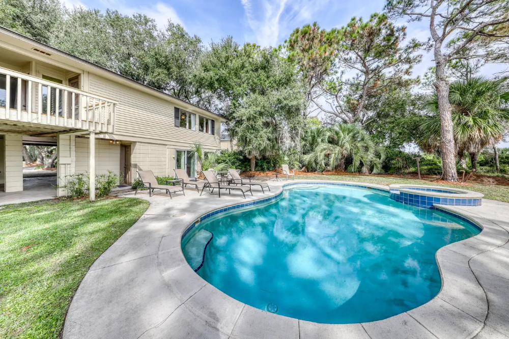 Private pool & spa at this oceanfront, dogfriendly home