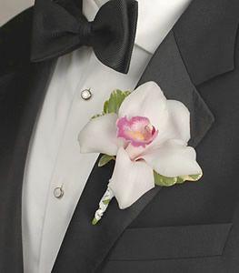 weddings.flowerpetal.com - White-Cymbidium-Boutonniere-bo_017