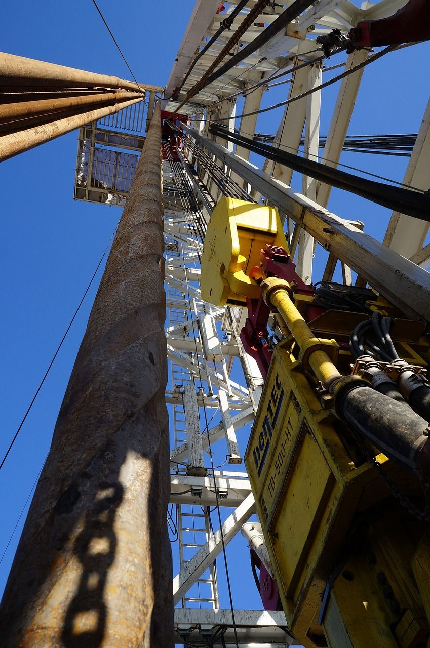 OPEP sigue bombeando petróleo a niveles record