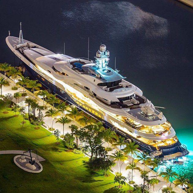 "ARABMONEY OFFICIAL™ on Instagram: ""Amazing Yacht ⚓️ ATTESSA IV Go Follow  @Secrets2Success ✨ - Photo by @stephen_n_miami #attessaIV #notarabmoney … |  파워보트, 항해, 유람선"