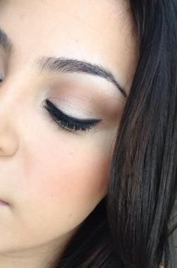 This professional renders quality Asian wedding makeup application jobs. She is among the most innovative Asian bridal makeup artists in your area.
