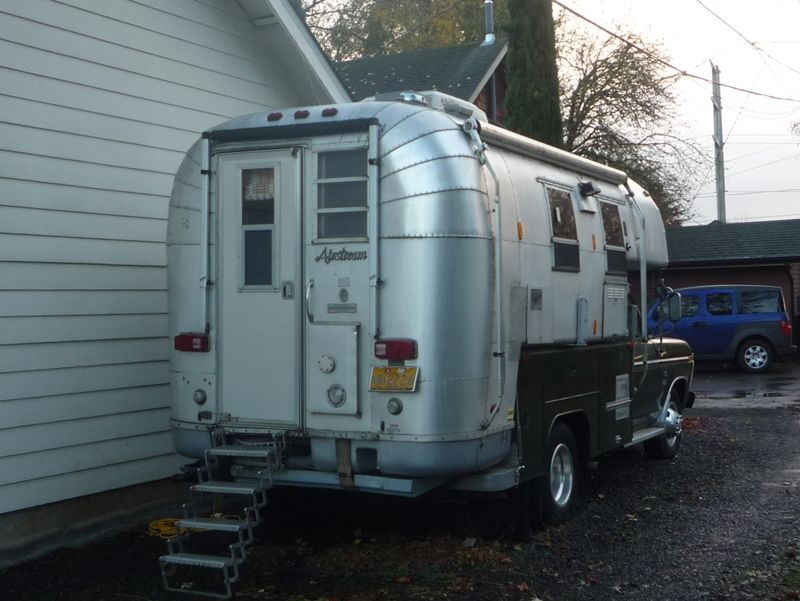 It\'s An Avion Pickup Camper Camper Posing As An Airstream- I Still ...