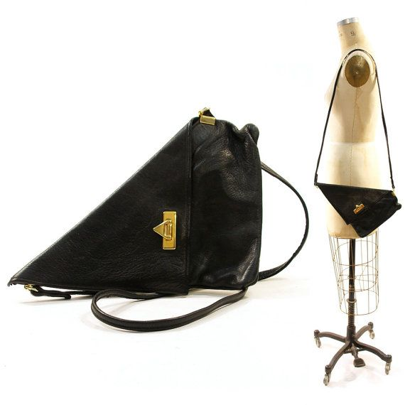 80s Triangle Leather Purse / Clutch in Black by nickiefrye on Etsy, $44.00