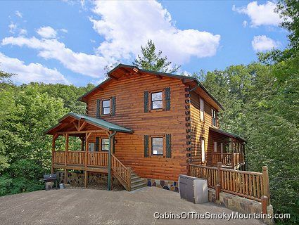 pigeon forge cabin smoky bear manor 5 bedroom sleeps 18