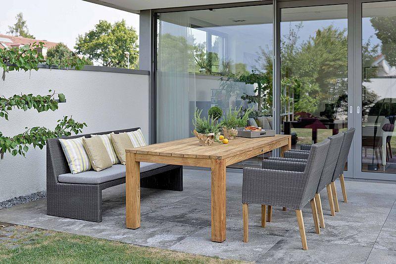 Gartenmobel Von Stern In Nurnberg Bei Ziller Fur Die Schonsten Platze Im Garten Diy Outdoor Furniture Outdoor Furniture Sets Garden Furniture Sets
