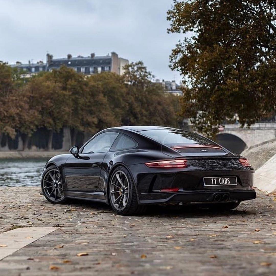 Definition of a Sports Car Porsche 991 gt3, Porsche