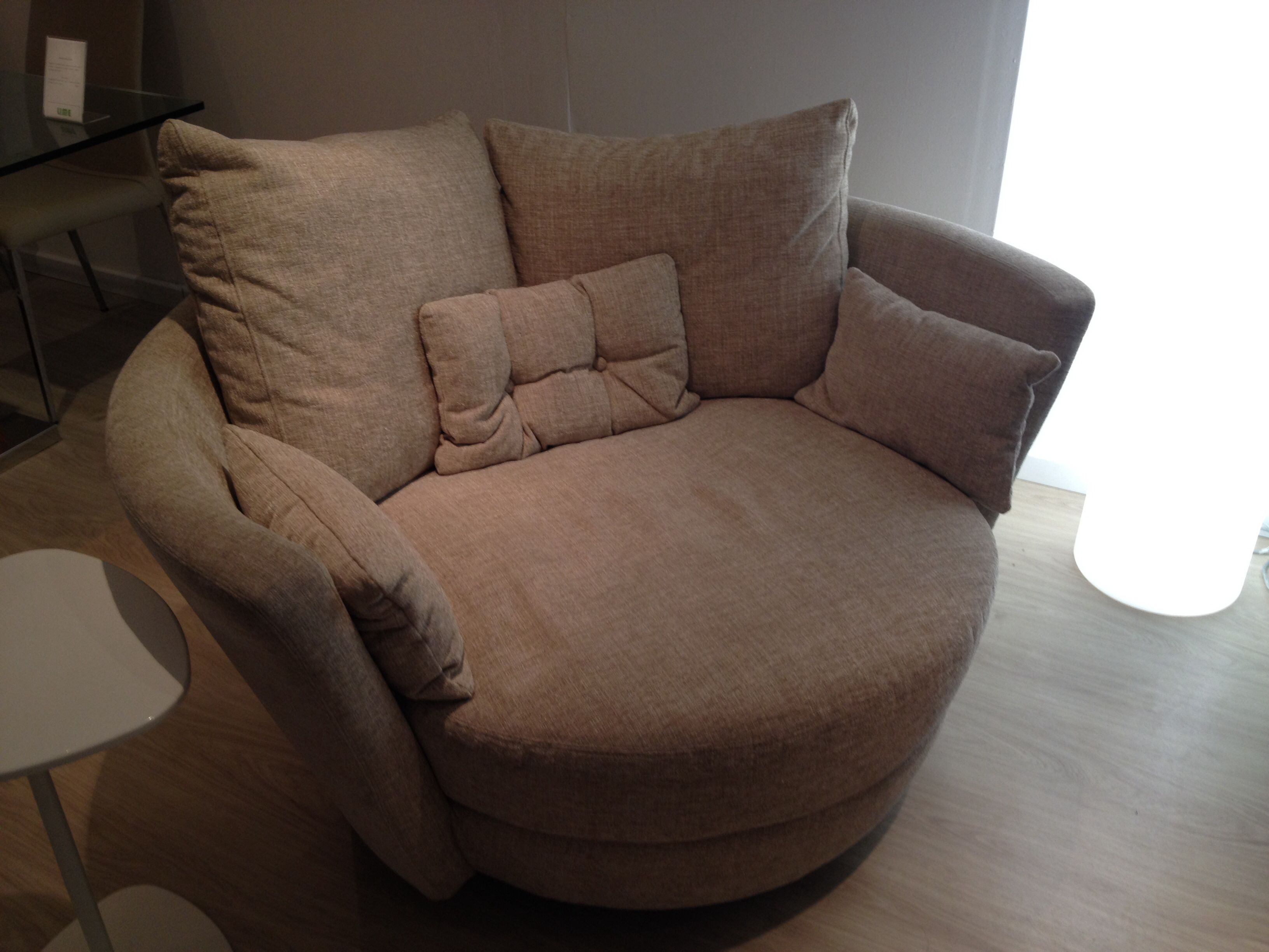 Sitting room chair