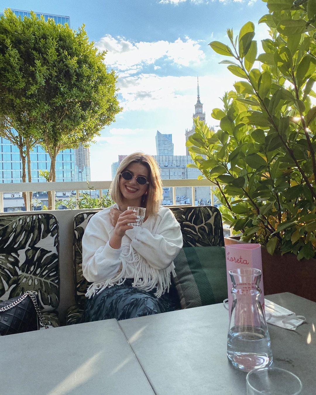 🌞 . . . .  #fashion #style #stylish #love #me #warsaw #photooftheday #happy #hair #weekend #beautiful #instagood #polishgirl #polskadziewczyna #blondehair #girl #smile #eyes #design #lato #polskadziewczyna #shoes #blondehair #styles #outfit #loretabar #sunday #summer #freetime