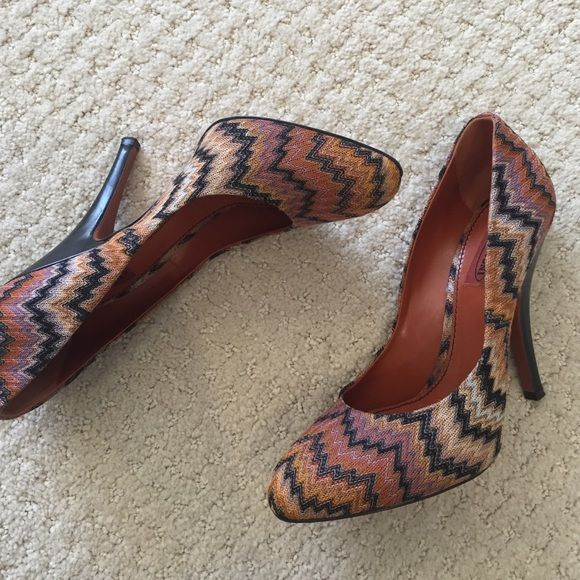 Missoni heels -- like new! Nearly new Missoni heels with the well-known print in canvas upper and rounded toe, with quality leather heel and sole. Missoni Shoes Heels