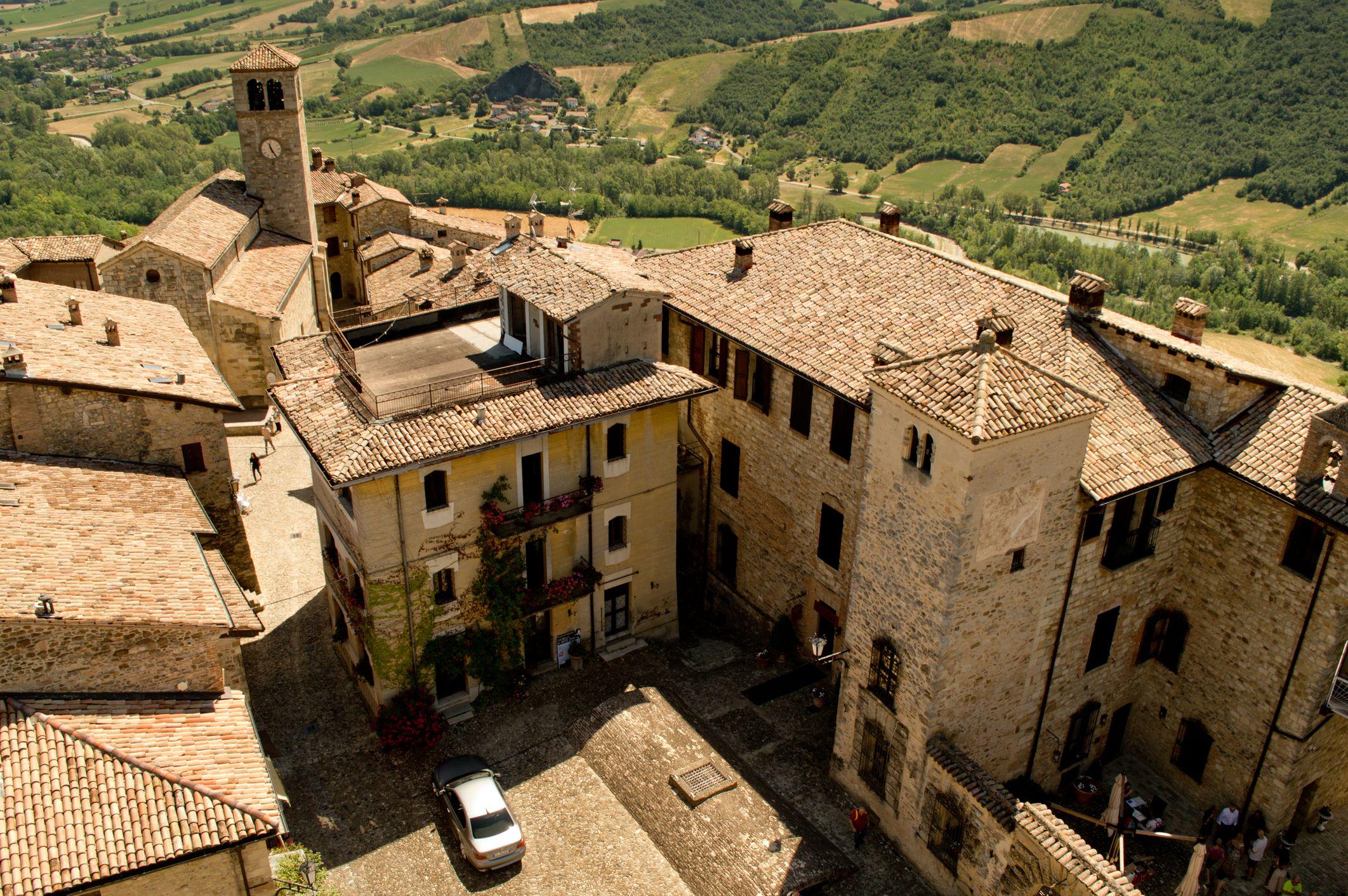 Build Your Own Italian Luxury Getaway Trazee Travel Luxury Getaway Italian Countryside Italian Luxury
