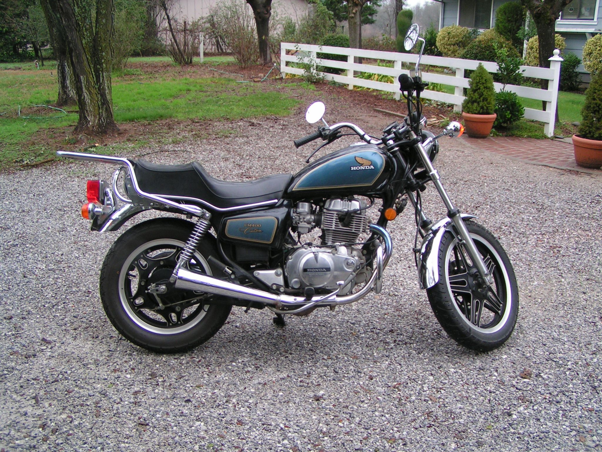 1981 Honda CM 400 - this is on Craigslist right now and I want it so