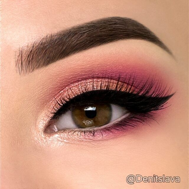 Hey Guys Here Is A Quick Tutorial On A Soft Coral Pink Eye Makeup Look I Used Anastasiabeverlyhills Pink Eye Makeup Pink Eye Makeup Looks Eyeshadow Makeup