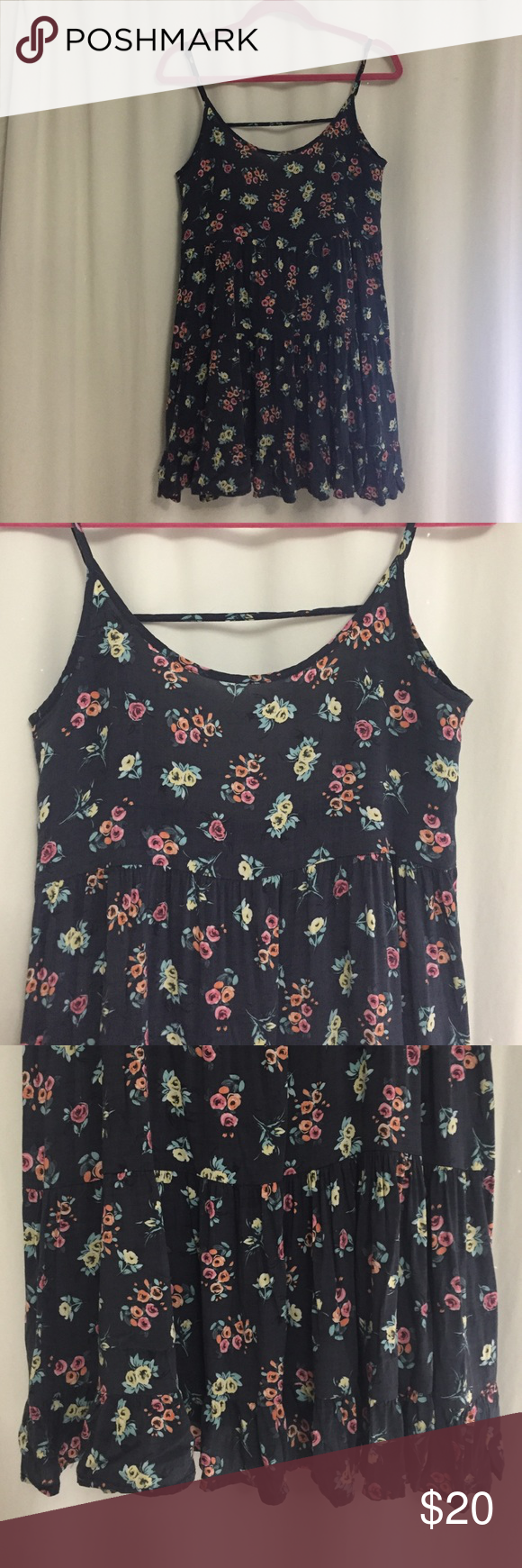 Brandy Melville floral dress Cutout back, adjustable spaghetti straps, tiered, Rose print sundress, size Small Brandy Melville Dresses Mini