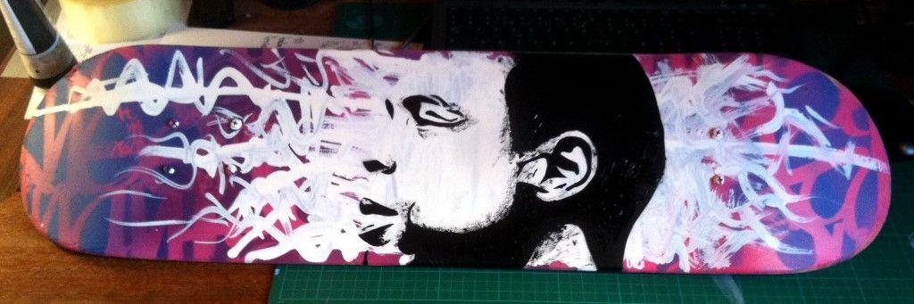 Fela Kuti on skateboard #peinture #pochoir wwwfond-noir Mes