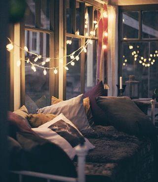 Dorm idea. Colors are pretty and it's super cozy.