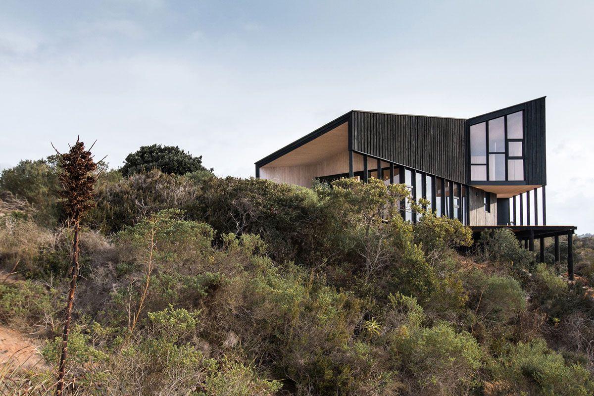 Casa Encallada / Whale! Architecture (© Hugo Bertolotto ...