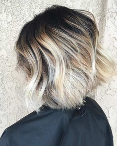 31 Cool Balayage Ideas For Short Hair Stayglam Blonde Balayage Bob Short Hair Balayage Dark Roots Blonde Hair