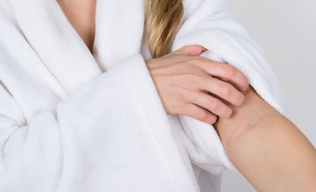 Saitko ihottuman kosmetiikasta? Yksi aine lisännyt oireita voimakkaasti