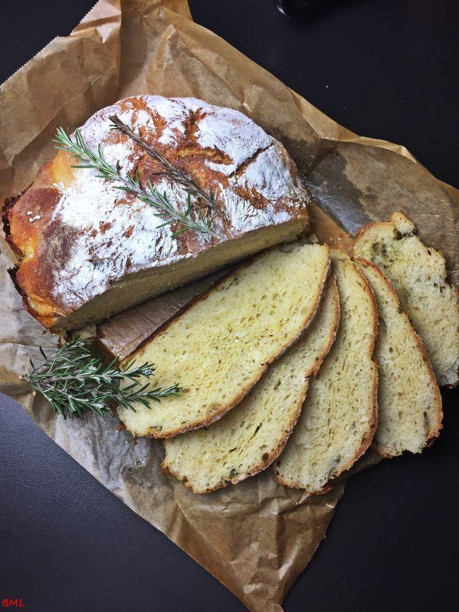 Kartoffel-Knoblauch-Brot mit Mozzarella aus dem Topf…der Duft von frischem Brot #pumpkinseedsrecipebaked