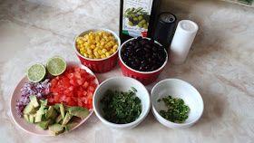 Esta ensalada es muy colorida, pero a parte de ser muy llamativa en la mesa es muy nutritiva, llena de fibra y proteína, perfect...