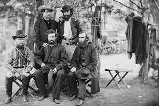 Civil War Quilts: 27 Irish ChainIrish Brigade soldiers and chaplains in Virginia