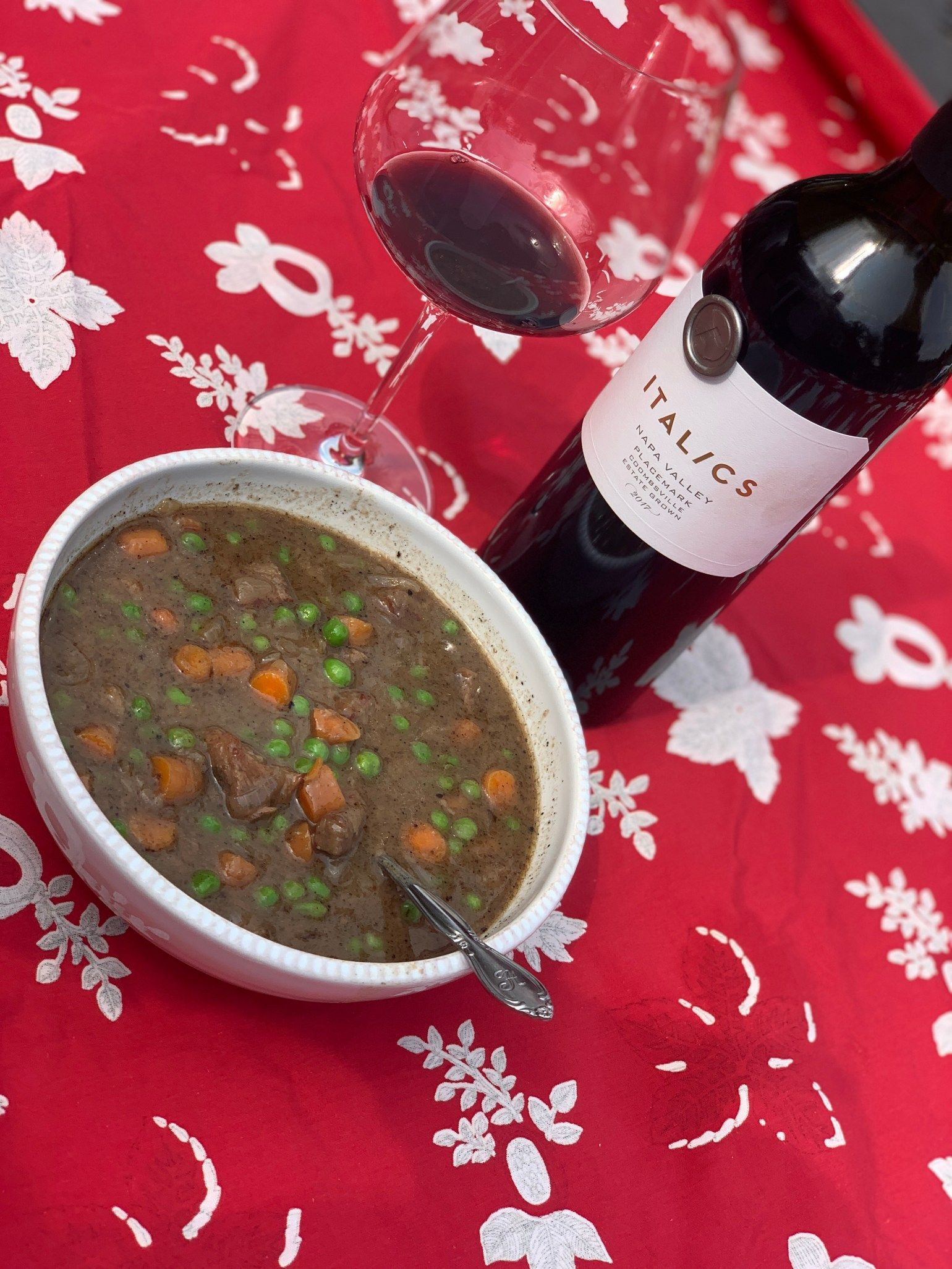 Wine Down To Dinner Red Blend And Beef Stew The Wine Pact In 2020 Beef Stew Wine Down Stew