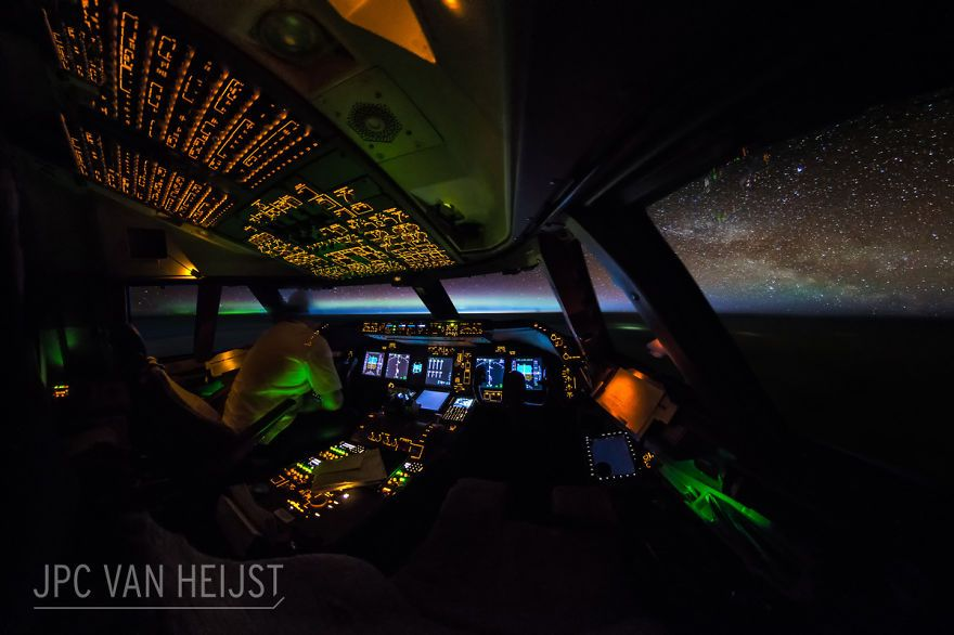 747 Pilot Takes Stunning Photos From His Cockpit And His Pics