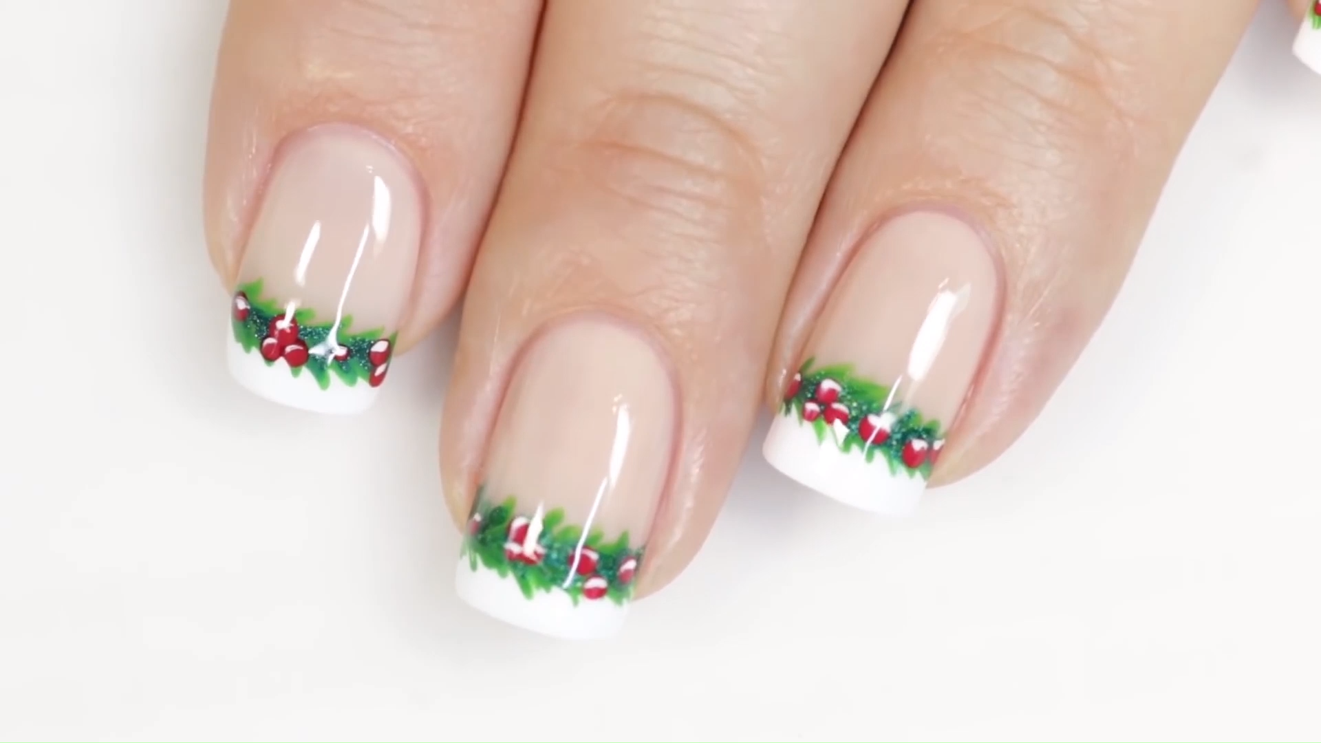 DIY the christmas nails by yourself
