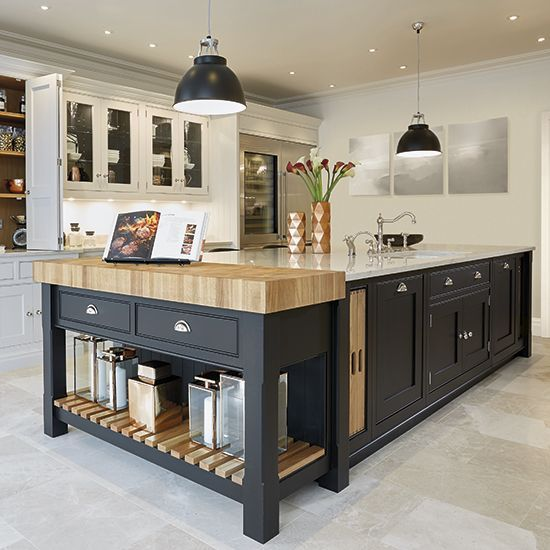 25 Awesome Traditional Kitchen Design: Two Tone Kitchen Cabinet Ideas To Avoid Boredom In Your