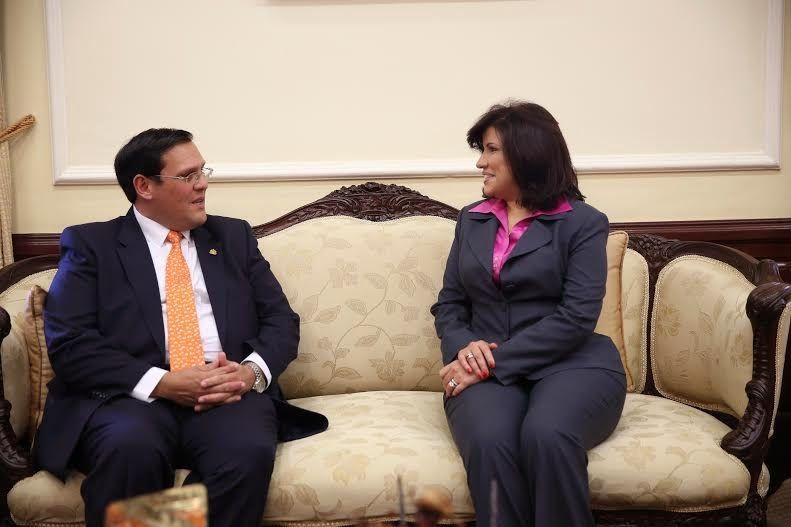 Armario de Noticias: Vicepresidenta se reúne con funcionario hondureño ...